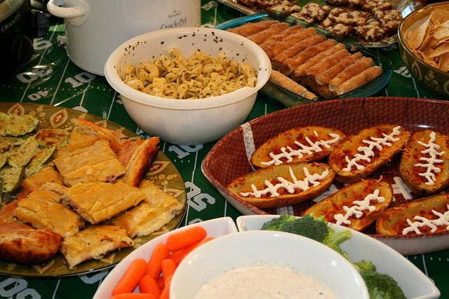Hosting Friends for the Super Bowl? Read These Tips First!