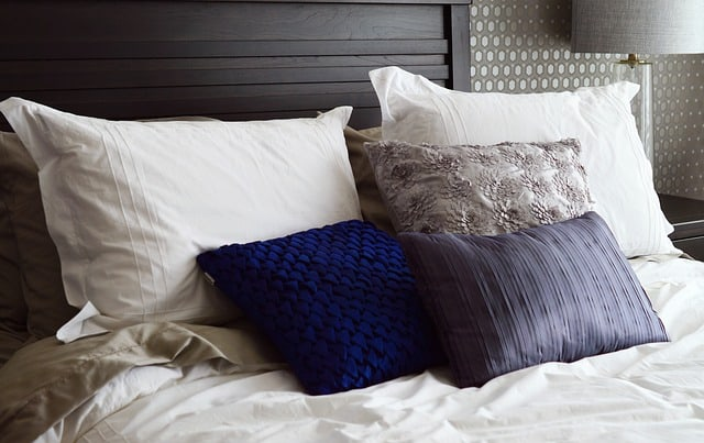 How to Make Your Bed — the Interior-Designer Way!