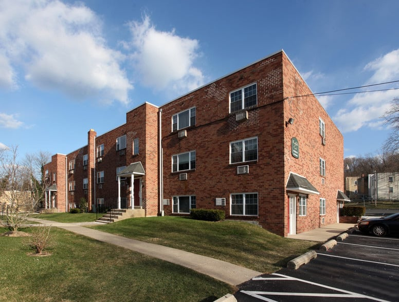 bradfield-court-apartments-abington-pa-building-photo (2)