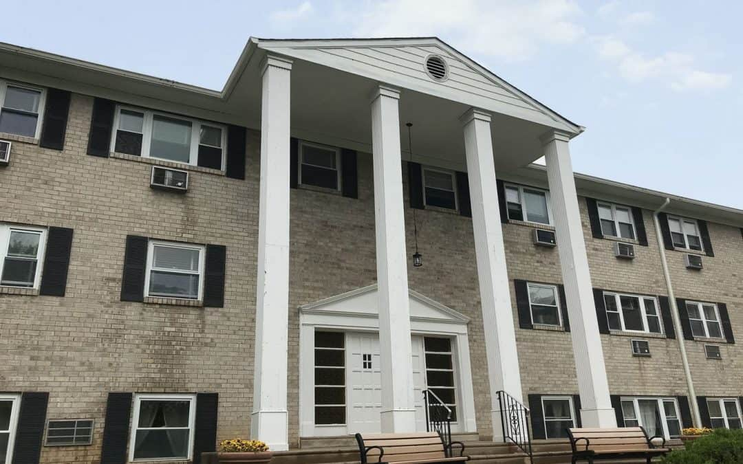 Rolling Hill Apartments